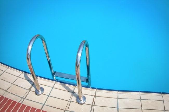 De qué manera seleccionar la pintura conveniente para tu piscina