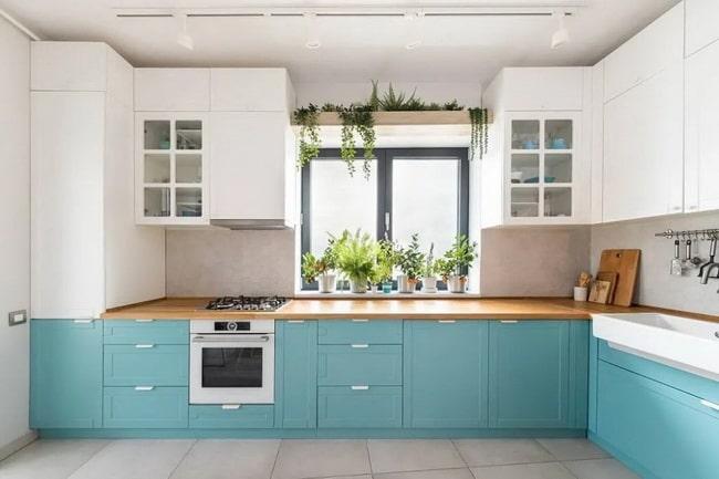 Muebles bajos de cocina en azul